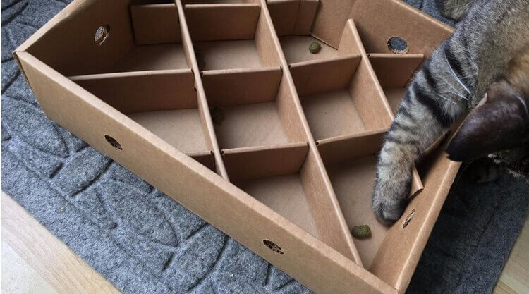make cat toys out of carton packaging