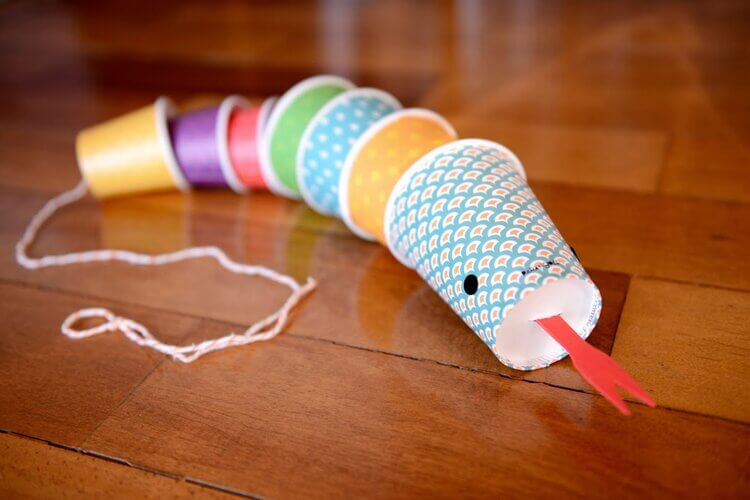 make cat toys out of paper cup