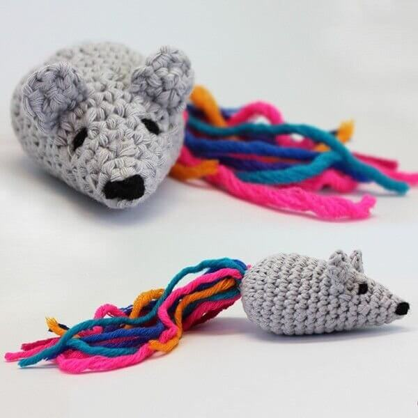 make cat toys out of wool toy